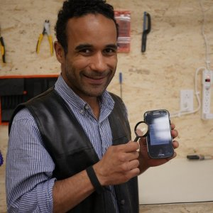 Yannick réparation cellulaire Les Affûtés Montréal